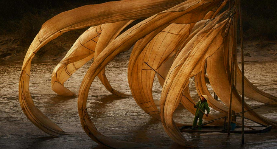 What are the lists of international photography awards?